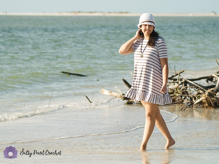 Find the free Bay Breeze Cloche pattern at SaltyPearlCrochet.com!