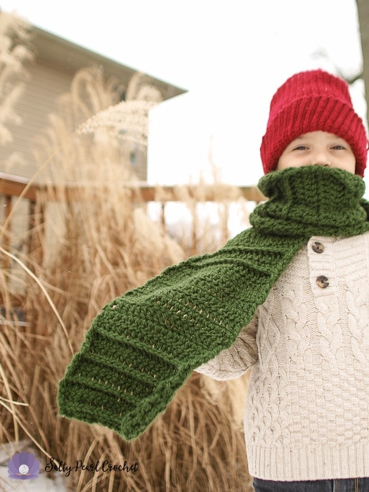 Tide Lines: a free scarf pattern for boys