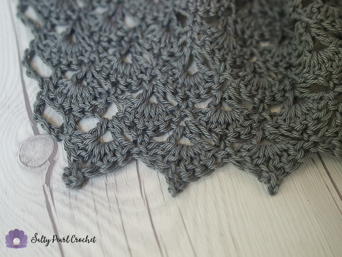 Close up of the self edging Mermaid Tears Shawl Pattern